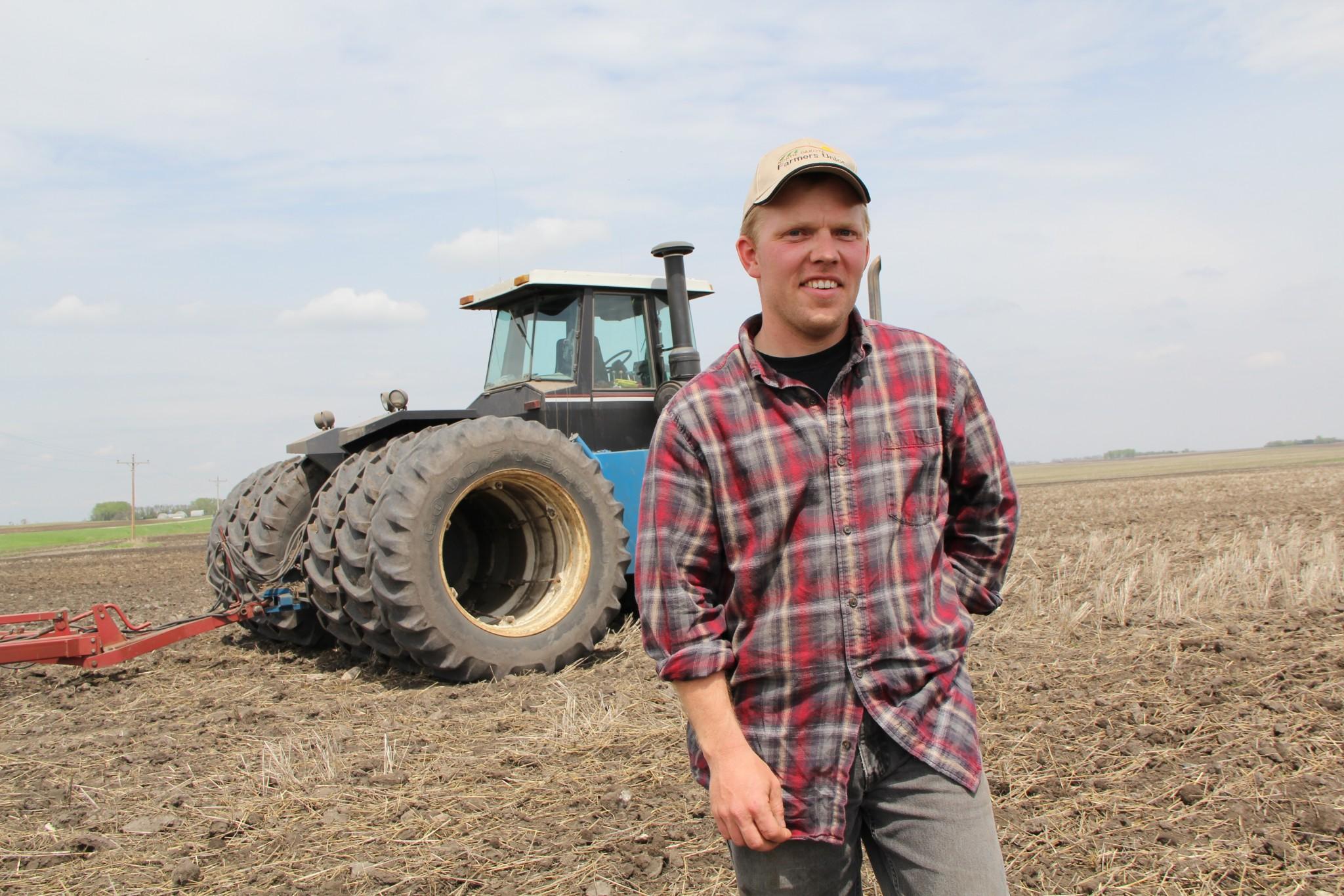 farmer-826912.jpg