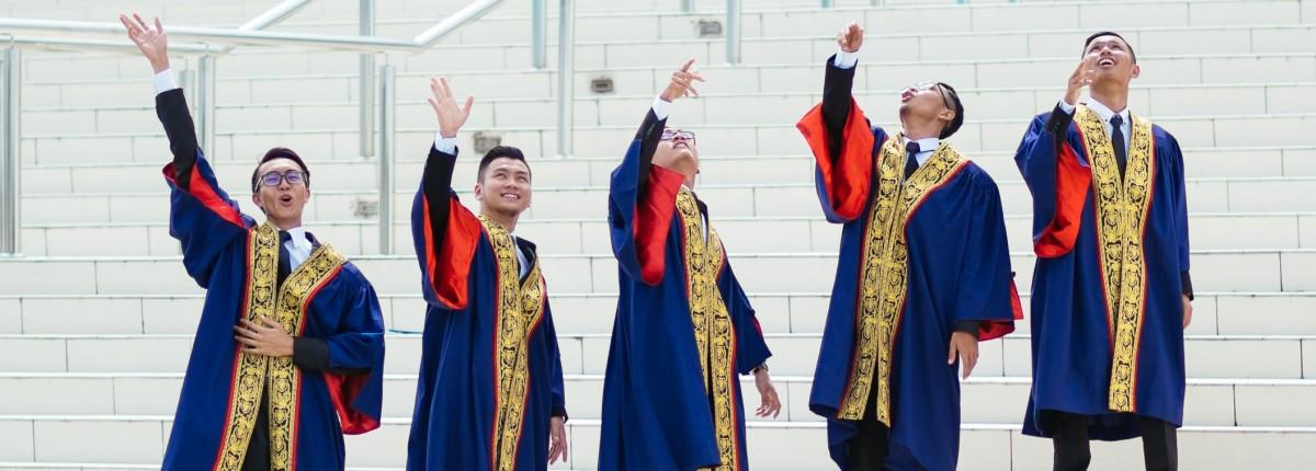 students malaysia graduation