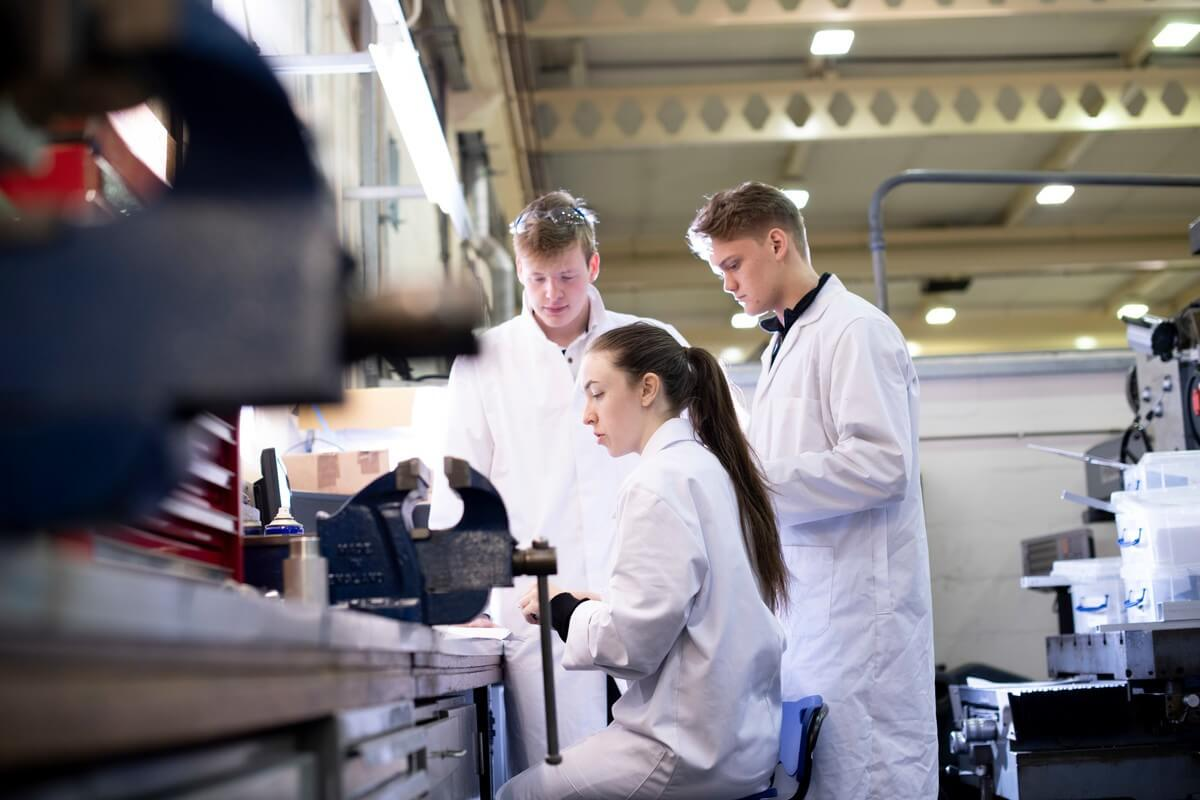 Become a frontrunner with a specialised postgraduate degree in engineering
