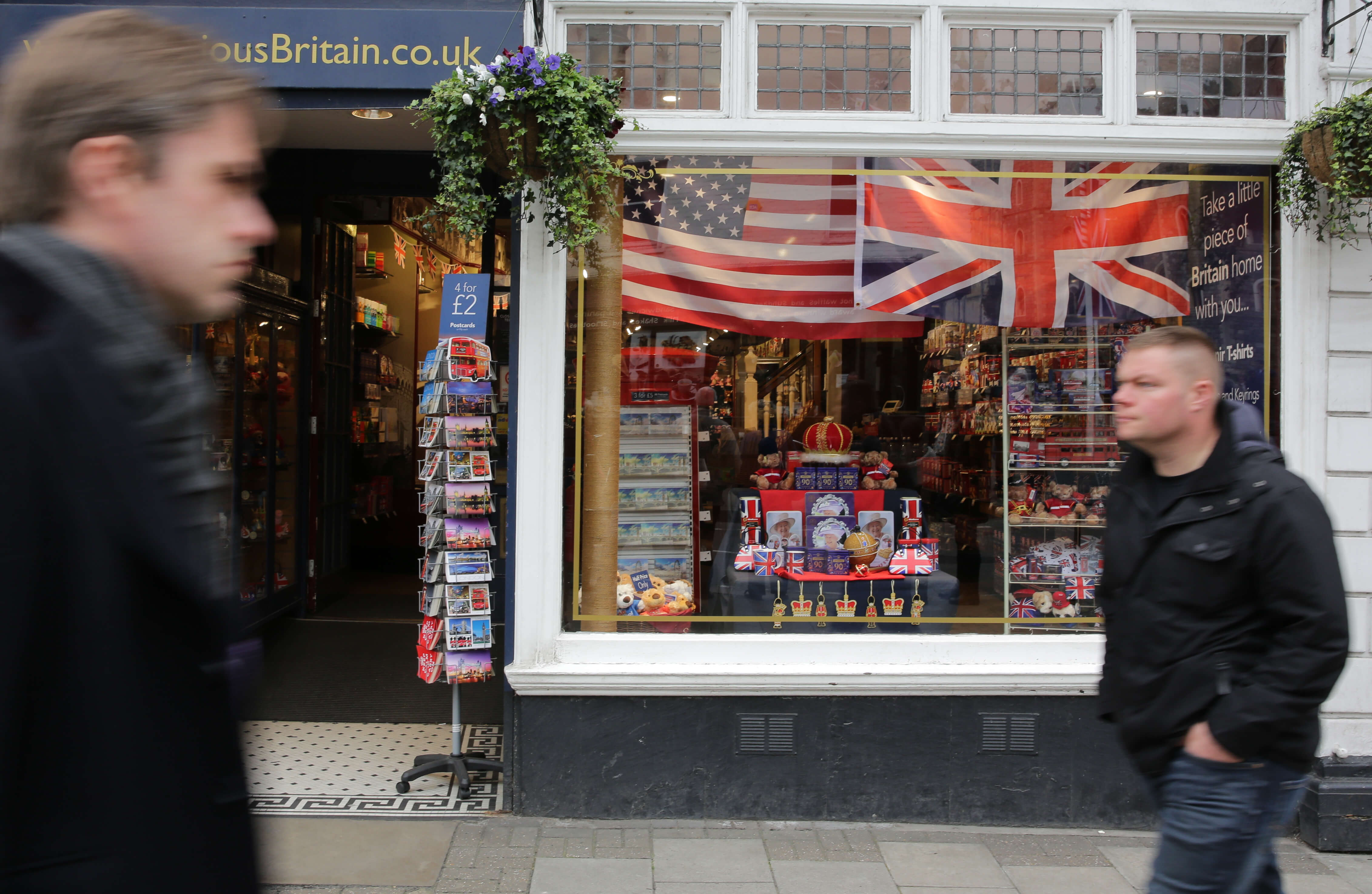 Safer, more flexible UK visa application process for US and South American students