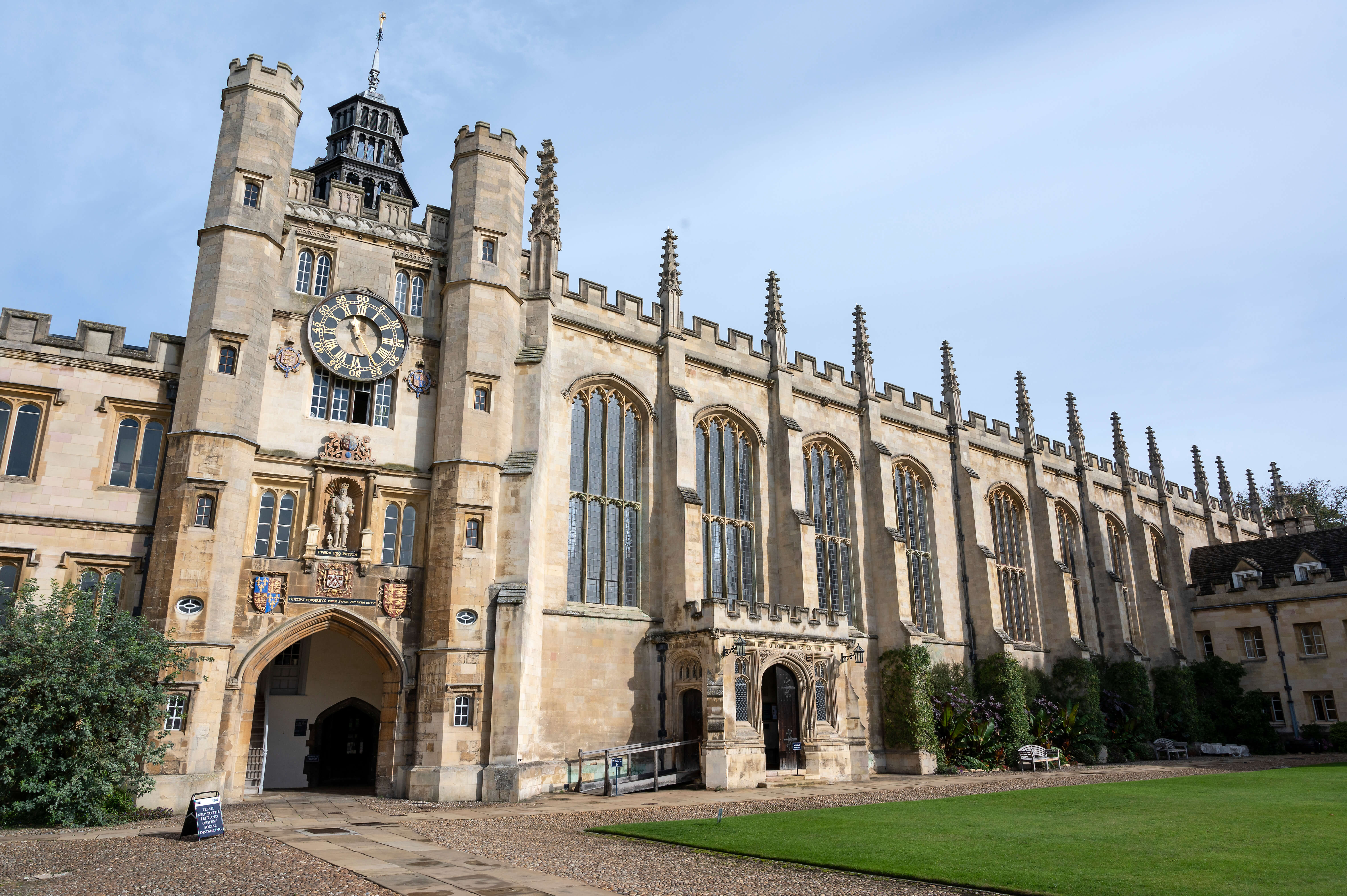 Top scholarships in UK for international students