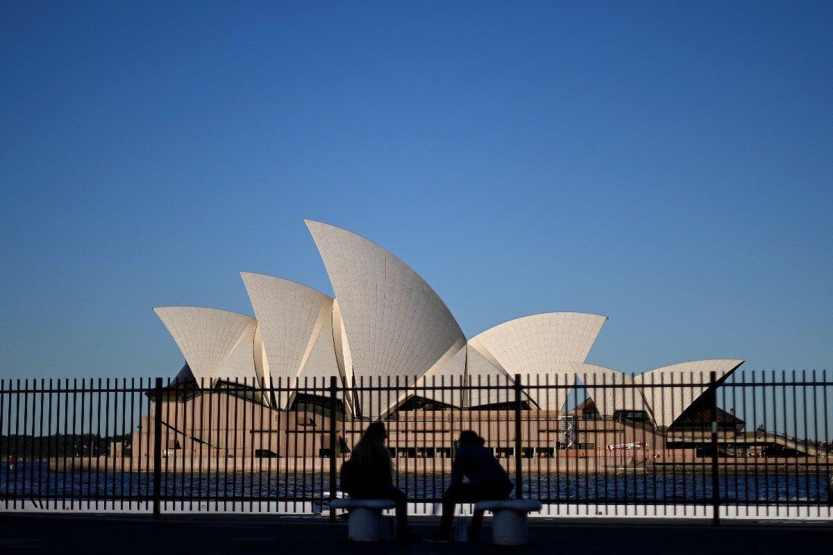To get jobs in Australia, international grads need to intern, reskill: report