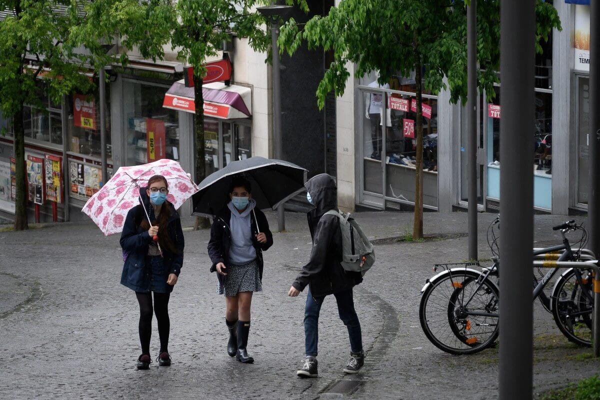 Swiss school closures