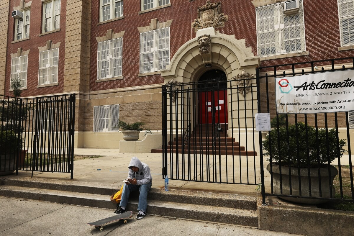 School closures still 'last resort' despite variants: WHO