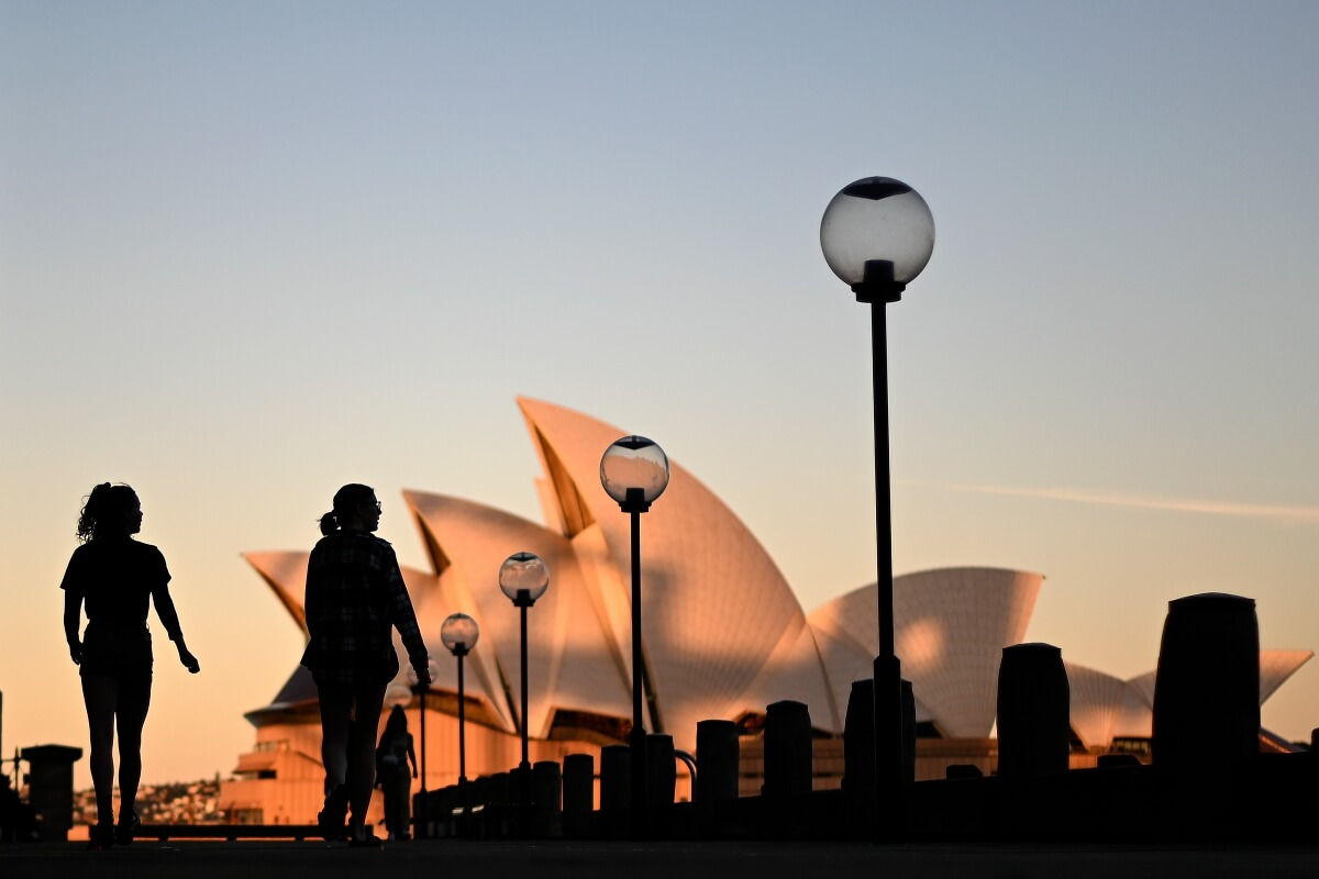 Focus less on reopening Australia's borders and more on better online teaching, expert says