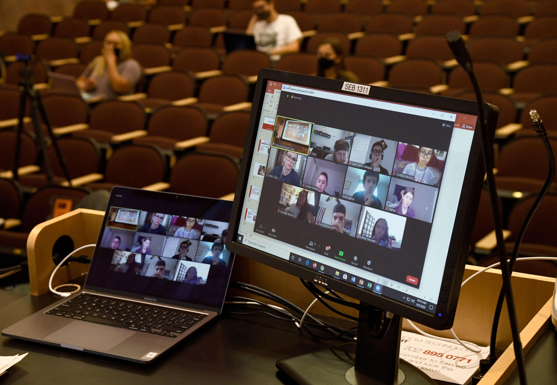 5 ways for better student-teacher communication online