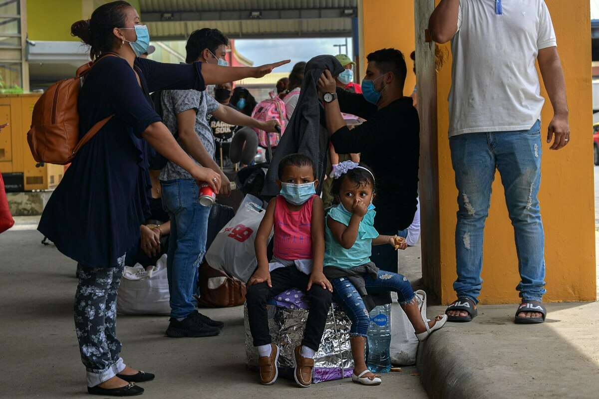 How is the pandemic affecting school children in Latin America and the Caribbean?